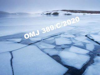 broken-ice-on-the-surface-of-llyn-y-fan-adam-burton--robertharding